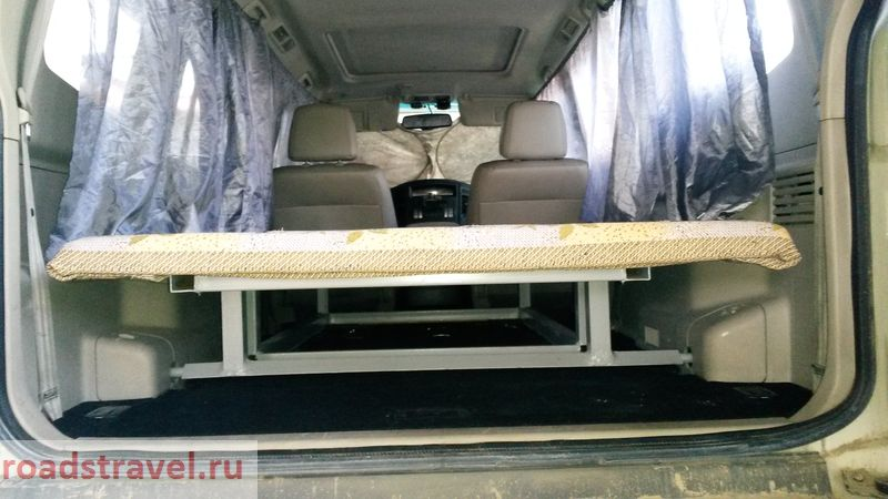 Спальное место в Mitsubishi Pajero. Sleeper in Mitsubishi Pajero.