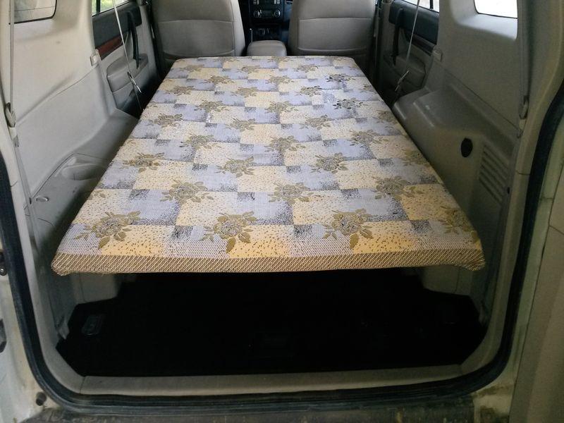 Спальное место в автомобиле MITSUBISHI PAJERO. Sleeper in the car MITSUBISHI PAJERO