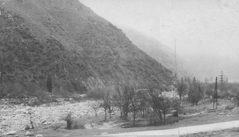 Ущелье Озёрное. Дорога на Большое Алматинское озеро. 70-е годы прошлого века. Ozernoe gorge. The road to the Big Almaty Lake. 70s of the last century.