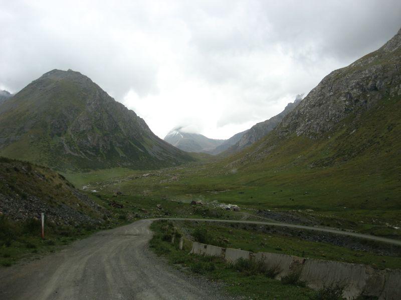 Киргизия. Ущелье Тургень-Аксу.Kyrgyzstan. The Turgen-Aksu gorge.