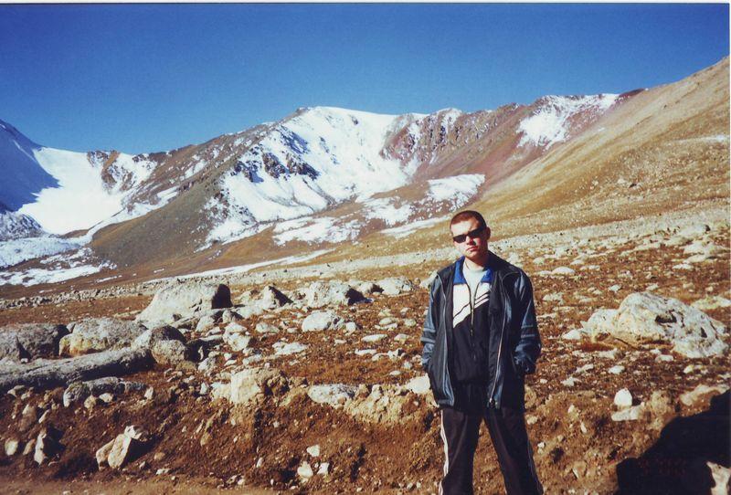 Дорога к Иссык-Кулю через горы. Перевал Озёрный. The road to Issyk-Kul through the mountains. Ozerny Pass.