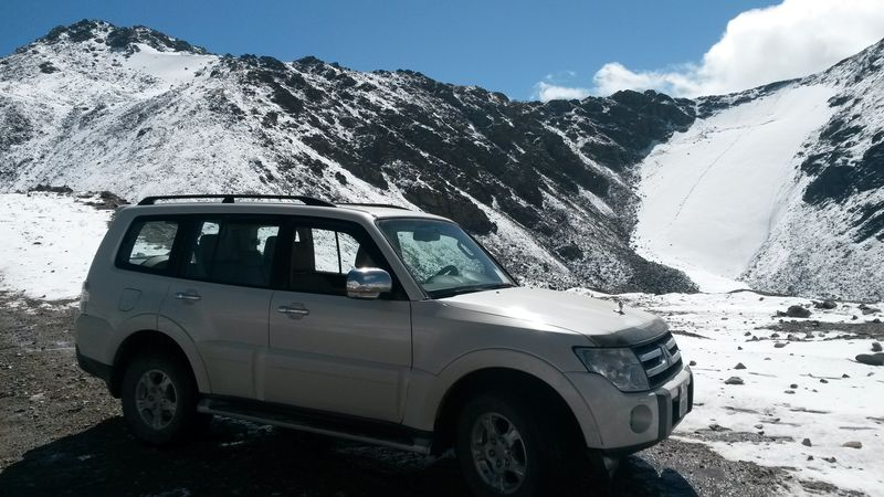 Киргизия. Перевал Чон-Ашу. Автопутешествие на MITSUBISHI PAJERO. Kyrgyzstan. Chon-Ashu Pass. Road trip with MITSUBISHI PAJERO.