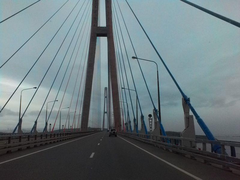 Владивосток. Мост на остров Русский. Vladivostok. The bridge to Russky Island.