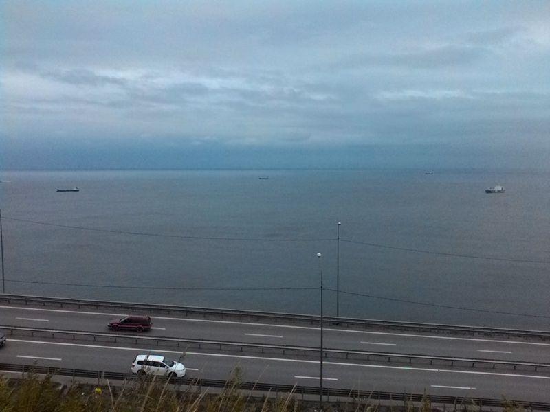 Владивосток. Дорога вдоль моря. Vladivostok. The road along the sea.