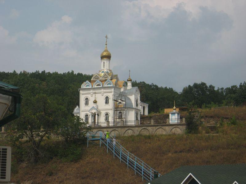 Башкирия. Посёлок Красноусольский. Табынский монастырь. Bashkortostan. The settlement Krasnousolsky. The Tabynsky Monastery.
