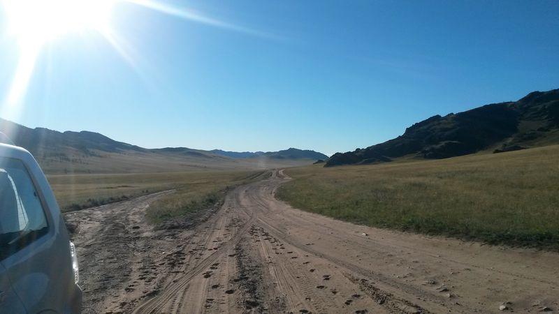 Автопутешествие по Монголии. Монгольские дороги. Autotravel through Mongolia. Mongolian roads.