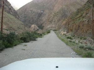 Киргизия. Река Сарыджаз. Дорога на Иныльчек. Kyrgyzstan. The Saryjaz River. Road to Inylchek.