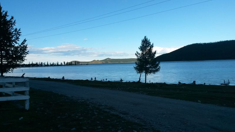 Монголия. Южная часть озера Хубсугул. Mongolia. The southern part of the lake Hubsugul.