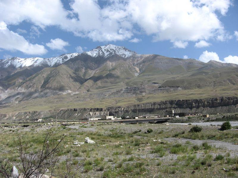 Киргизия. Город - призрак Иныльчек.