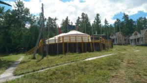 "Озеро Хубсугул. Международный ""юртинг"" на берегу. Lake Hubsugul. International ""yurting"" on the shore."