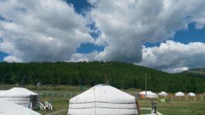 Автопутешествие по Монголии. Озеро Хубсугул. Юрты. Autotravel through Mongolia. Lake Hubsugul. Yurts.