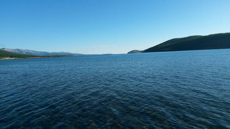 Автопутешествие по Монголии. Озеро Хубсугул. Взгляд на север. Autotravel through Mongolia. Lake Hubsugul. A look to the north.