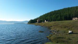 Монголия. Озеро Хубсугул. Западный берег, взгляд на юг. Mongolia. Lake Hubsugul. West Bank, look to the south.