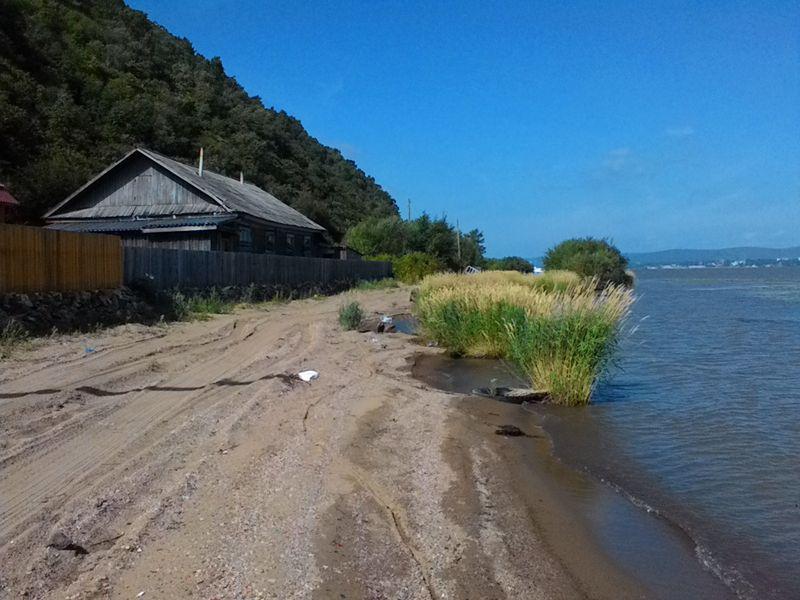 Село Подгорное. Набережная реки Амур. The village of Podgornoye. Embankment of the Amur River.