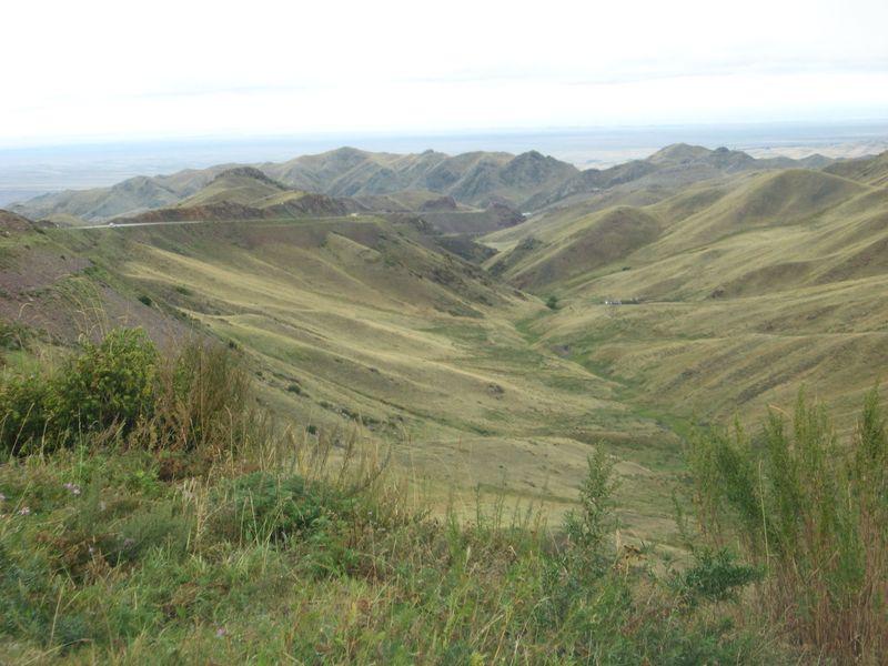 Дорога от Алма-Аты до посёлка Кеген. Кегенский перевал. The road from Almaty to the village of Kegen. Kegensky pass.