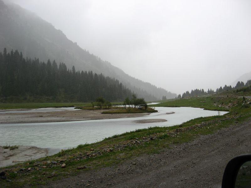 Киргизия. Река Тургень-Аксу. Kyrgyzstan. The Turgen-Aksu River.