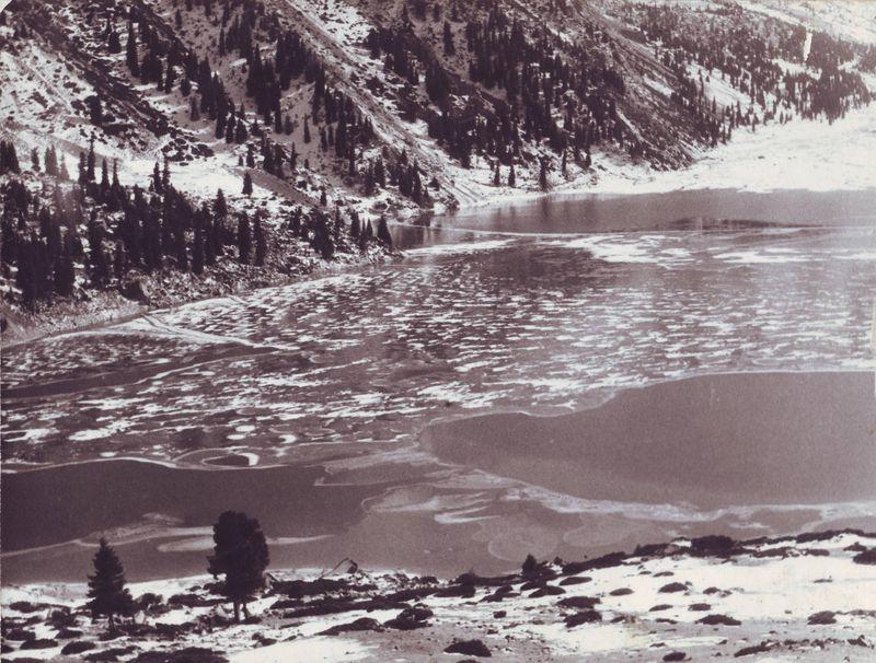 Большое Алма-Атинское озеро. Казахстан. The Big Alma-Ata Lake. Kazakhstan.