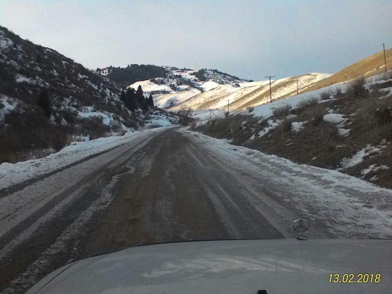 Дорога на озеро Кольсай. Участок дороги Жаланаш - Саты. The road to the lake Kolsai. The road from Zhalanash to Saty.