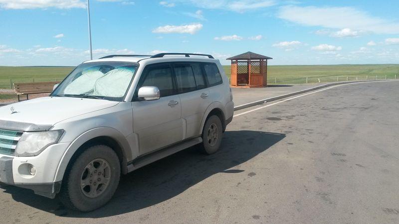 Новая магистраль Павлодар - Астана. Парковка. The new highway Pavlodar - Astana. Parking place.