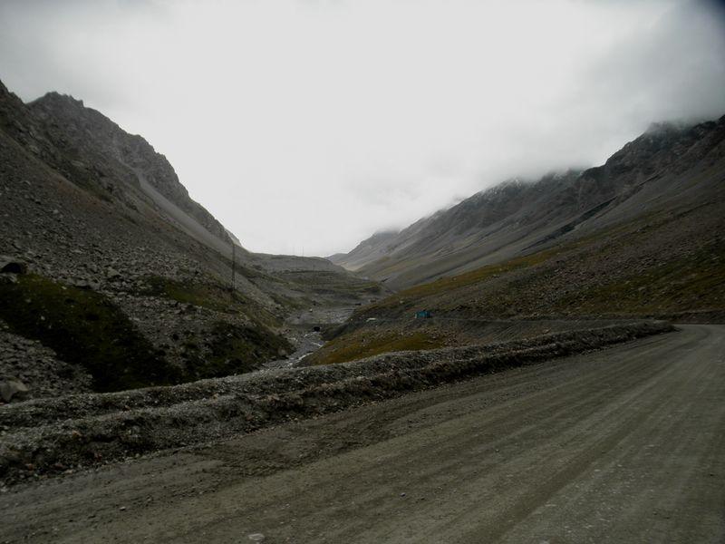 Тянь-Шань. Дорога на перевал Барскаун. Tien Shan. The road to the pass Barskaun.