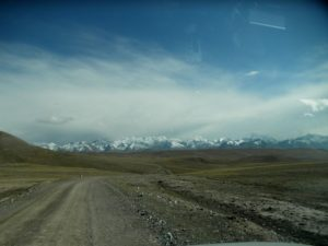 Тянь-Шань. Киргизия. Долина реки Карасай. Tien Shan. Kyrgyzstan. The Karasai River valley.