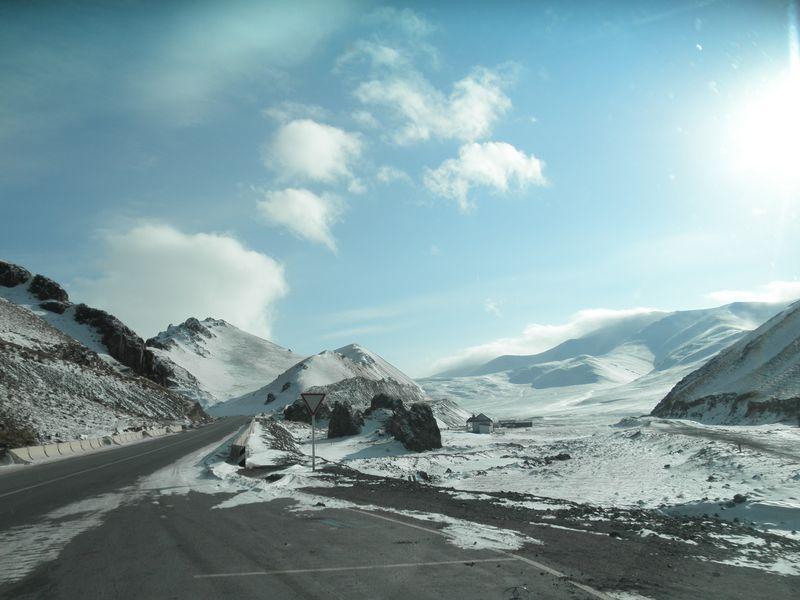 Киргизия. Тянь-Шань. По пути к Нарыну. Kyrgyzstan. Tien Shan. On the way to Naryn.