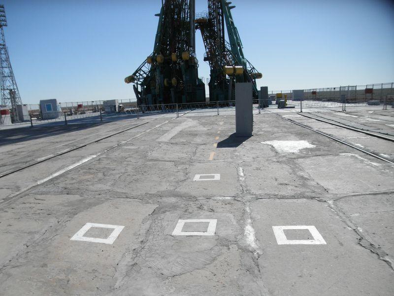 Космодром Байконур. Площадка № 2. Место для рапорта космонавтов. Baikonur Cosmodrome. Playground No. 2. Astronauts report point.
