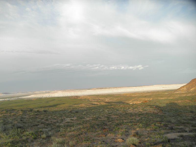 Казахстан. Берега древнего моря - чинки Мангистау. Kazakhstan. The shores of the ancient sea - Mangistau Chinks.