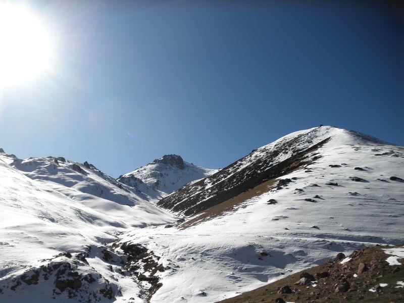 Горы Кетмень. Дорога на перевал. Ketmen mountains. The road to the pass.