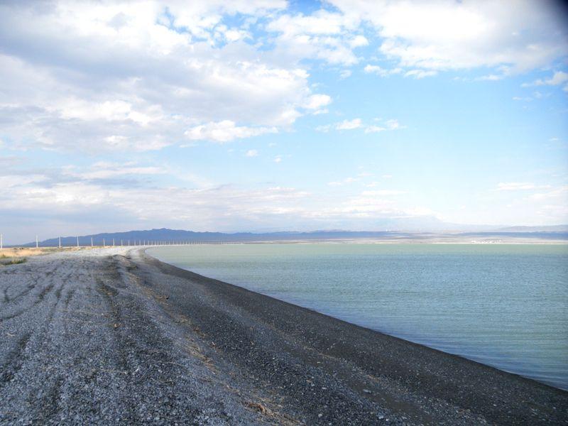 Озеро Жаланашколь. Западный берег. Казахстан. 2021 год. Lake Zhalanashkol. West Bank. Kazakhstan. 2021 year.